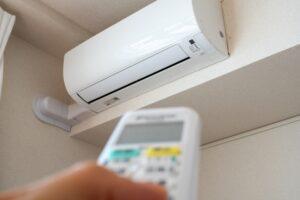 エアコンの洗浄はお任せください。外部のみならず、内部を高圧洗浄機で洗浄して清潔にします。